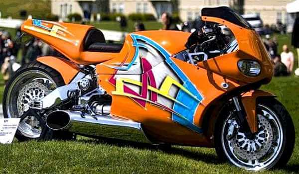 MTT TURBINE STREETFIGHTER HAVING ROLLS ROYCE TURBINE ENGINE